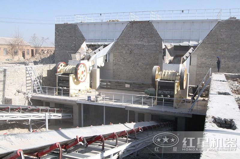 时产500吨的大型石料破碎机设备生产现场